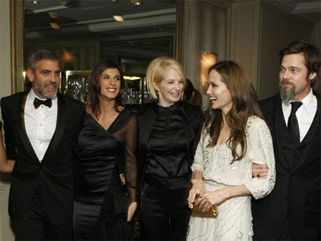 Что ели на Новый Год Brad Pitt-Angelina Jolie и George Clooney-Elisabetta Canalis