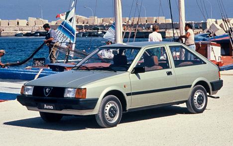 Alfa Romeo Arna разработан всоюзе сNissan, выпускалась машинка всего лишь два года (с1984-йпо1986-й) иособой славы неснискала.