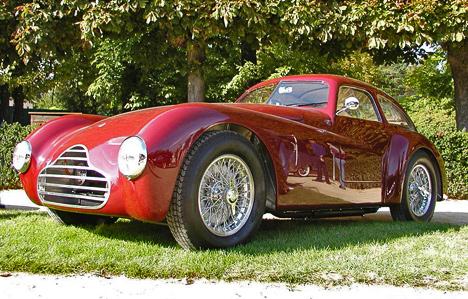 Версия Competizione— спортивная модель, построенная набазе Alfa Romeo6C2500.