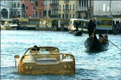 По Венеции в автомобиле