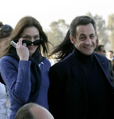 Карла Бруни Carla Bruni.  Так или иначе, настоящая жена Президента...